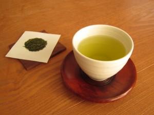 お茶の葉で電子レンジのにおいの悩み対策